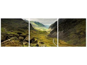 Obraz cesty uprostřed hor (F000621F12040)