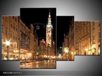 Obraz noční ulice s věží (F002338F12075C2)