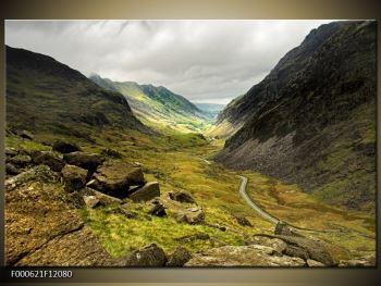 Obraz cesty uprostřed hor (F000621F12080)