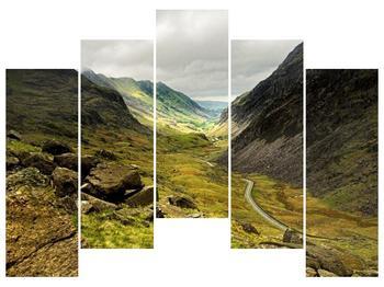 Obraz cesty uprostřed hor (F000621F12590)