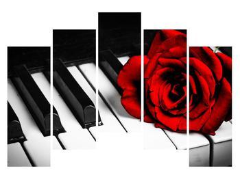 Zongora és egy rózsa képe (K011229K12590)
