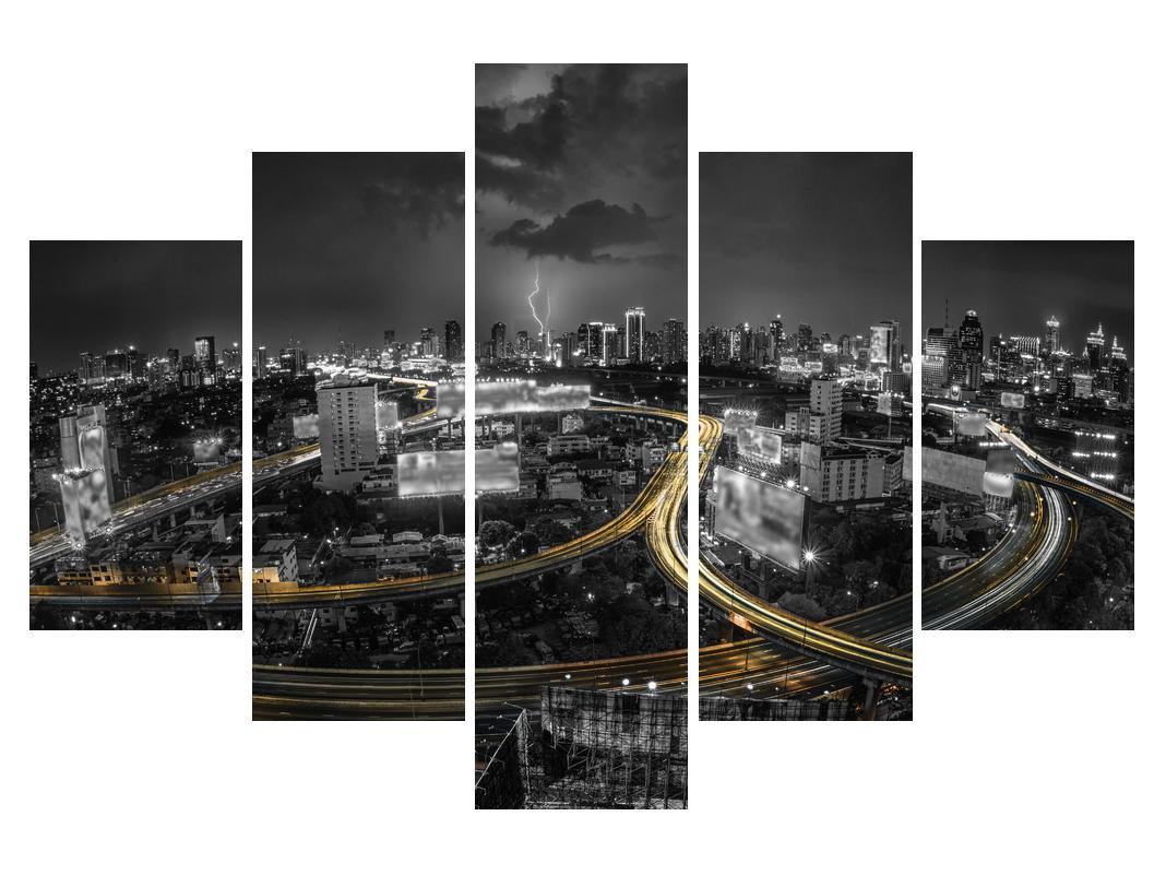 Slika autoceste kroz grad (K011653K150105)