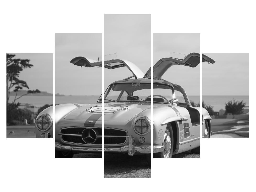 Slika starijeg automobila (K011694K150105)