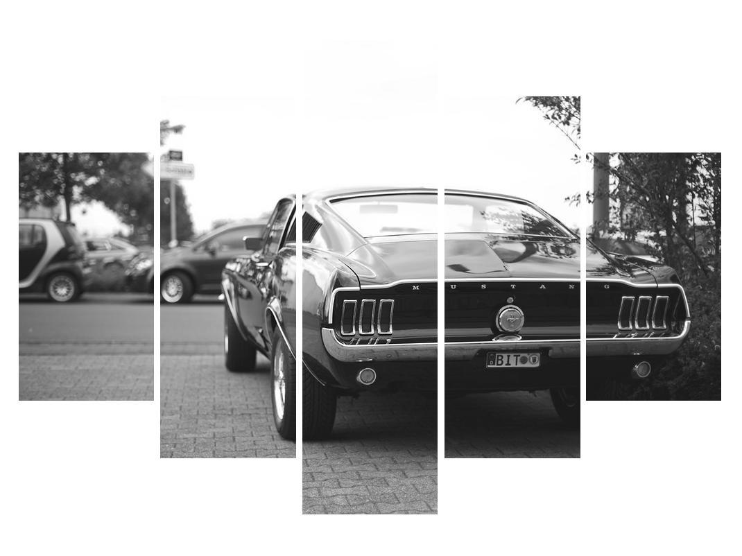 Slika starijeg automobila (K011855K150105)