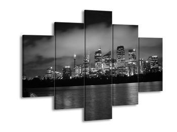 Černobílý obraz velkoměsta (F001740F150105)