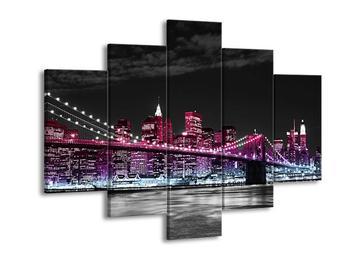 Obrat růžově nasvíceného města (F001852F150105)