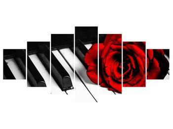 Zongora és egy rózsa képe (K011229K210100)
