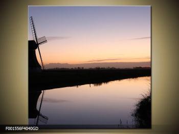 Obraz rybníku u mlýna (F001556F4040GD)