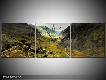 Obraz cesty uprostřed hor (F000621F9030CC)