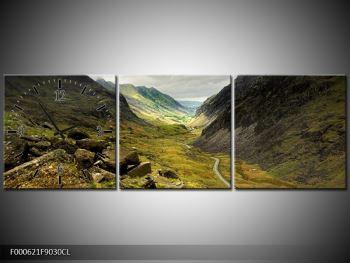 Obraz cesty uprostřed hor (F000621F9030CL)