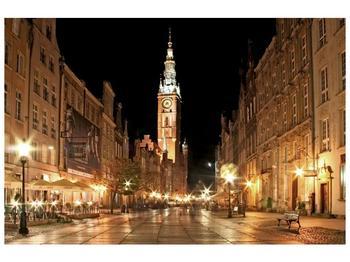 Obraz noční ulice s věží (F002338F9060)