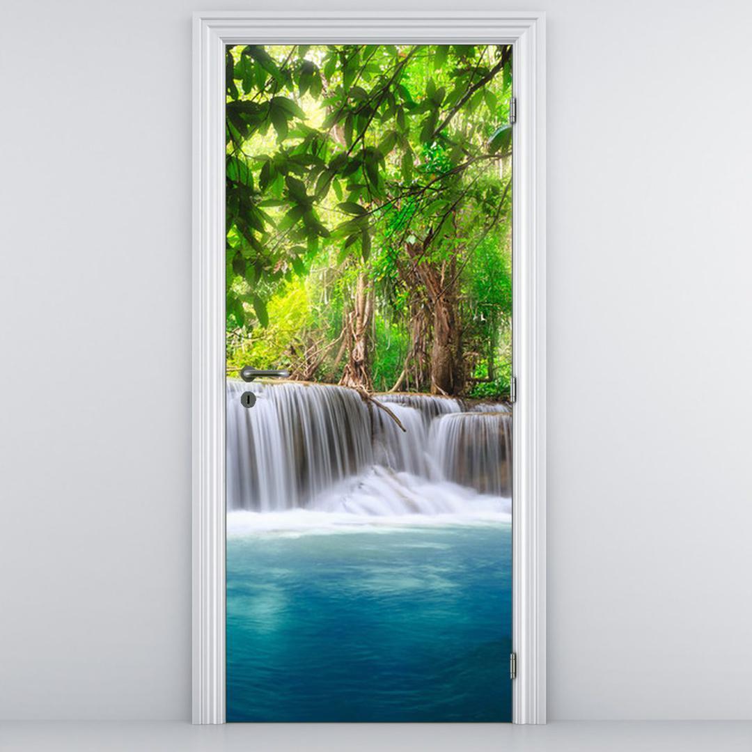 Foto tapeta na vratih - Slap z modro vodno površino (D012549D95205)