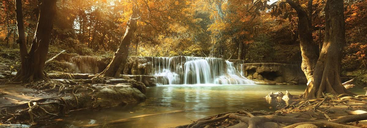 Fototapet - Cascada în pădurea de toamnă (T030345T1525104B)
