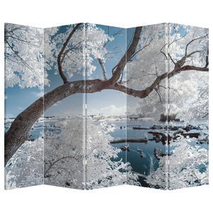 Paraván - Zasněžený strom u vody (P020718P225180)