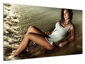 Slika žene na plaži (V020937V12070)