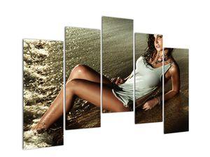 Slika žene na plaži (V020937V12590)
