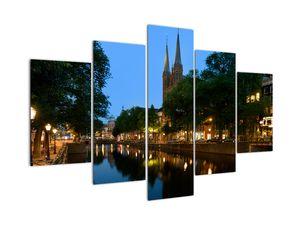 Éjszakai történelmi város képe (V020211V150105)