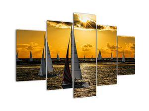 Bild einer Yacht bei Sonnenuntergang (V020580V150105)