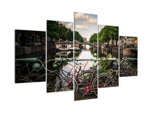 Egy bicikli képe a városban (V020595V150105)
