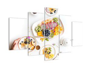 Obraz talířů s ovocem na stole (V021257V150105)