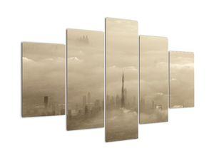 Egy város képe a felhőkben (V022338V150105)