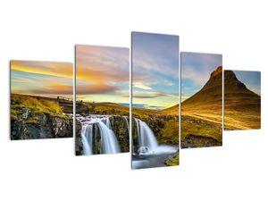 Obraz hory a vodopádů na Islandu (V020702V150805PCS)