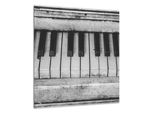 Egy régi zongora képe (V022562V4040)